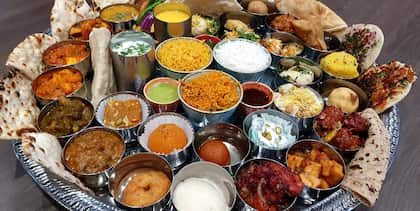 Can You Finish This Massive 7kg Indian Thali In An Hour? This Man From UK Just Did!