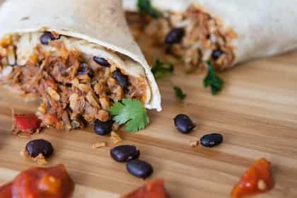 Quick Lunch Ideas: Make This Chatpata Rajma Wrap For A Quirky Lunch