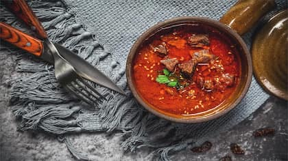 Indulge Yourself In Taar Gosht For A Royal Delightful Dinner