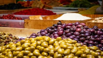 5 Amazing Benefits Of Olives That Will Make You A Fan